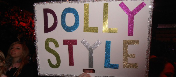 Dolly Style plakat